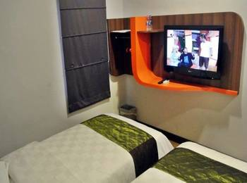 J Hotel Medan - Cozie Twin Room Regular Plan
