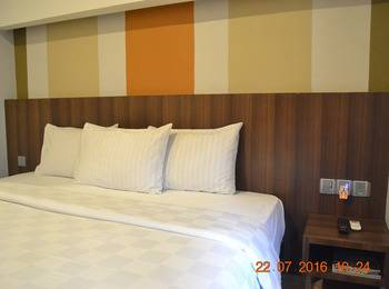 J Hotel Medan - Eazy Room Regular Plan