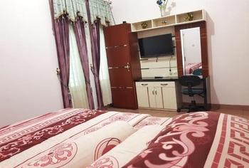Guest House Tonhar Banjarbaru - Superior Room Regular Plan
