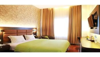 Emerald Hotel Ternate Ternate - Deluxe King DISCOUNT KHUSUS