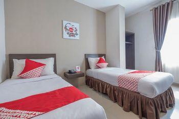 OYO 1679 Hotel Century Makassar Makassar - Standard Twin Room Regular Plan