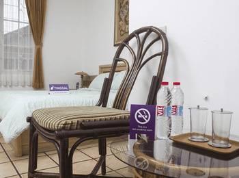 Tinggal Standard Rancabentang Cidadap - Standard Room Romantic Stay - 50%