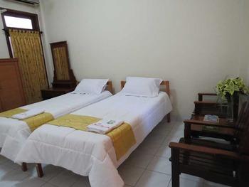 Nugraha Homestay Surabaya - SUPERIOR Regular Plan