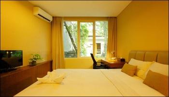 W Home Cipete Jakarta - Standard Room Last minute deal 25% off!
