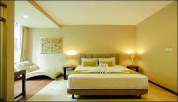 W Home Cipete Jakarta - Deluxe Room Last minute deal 25% off!