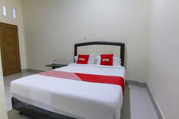OYO 3334 Ratu Residence Medan - Deluxe Double Room Last Minute