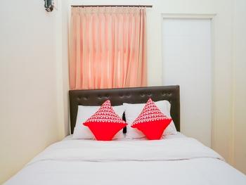 OYO 1641 Griya Aara Syariah Surabaya - Standard Double Room Regular Plan