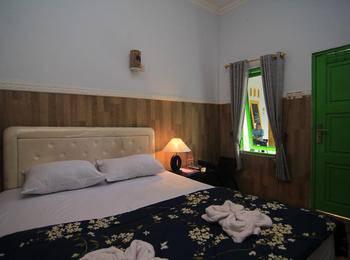 Hotel Boegenviel Syariah Lamongan Lamongan - Delux Room Regular Plan