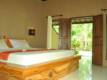 Pondok Rahayu Guest House Bali - Deluxe Room with AC Regular Plan