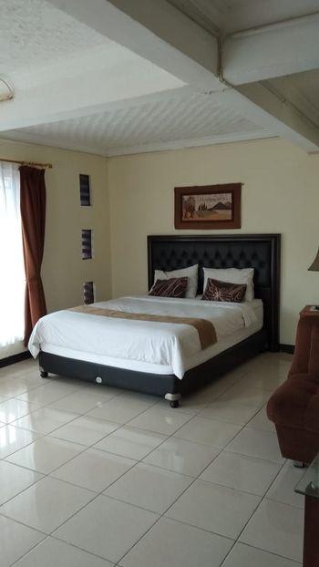 Homestay Anggrek Garut - Homestay 6 Bedrooms Regular Plan