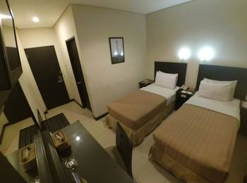 Hotel Palm Banjarmasin - Superior Twin Room Only - Kalimantan Deals Regular Plan