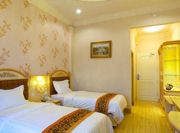 Hotel Grand Town  Makassar - Deluxe Twin Room Regular Plan
