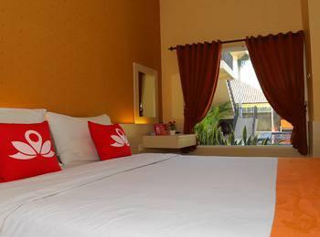 ZenRooms Denpasar Gelogor Carik 2 - Double Room Regular Plan