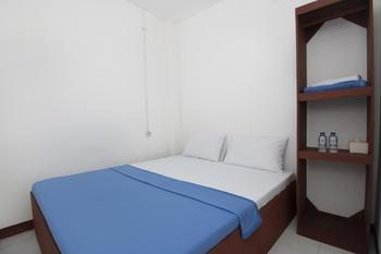 RedDoorz near Riau Junction Mall 2 Bandung - RedDoorz Room Basic Deal