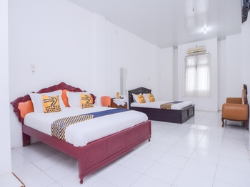 SPOT ON 2134 Seunia Hotel Banda Aceh - Suite Family Room Regular Plan
