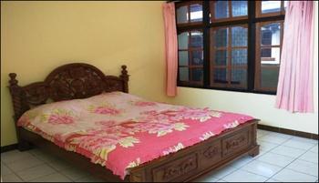 Hotel Dewi Sumbawa - New Standard Room Regular Plan