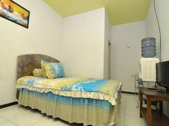 Novi Homestay Malang - Standard Room Regular Plan