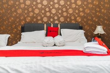 RedDoorz Syariah @ Cibadak Bogor Bogor - RedDoorz Family Room Basic Deal 45%