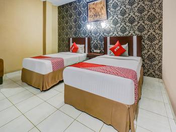 OYO 3936 Hotel Trisula Makassar Makassar - Suite Twin Regular Plan