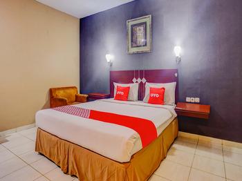 OYO 3936 Hotel Trisula Makassar Makassar - Standard Double Room Regular Plan