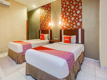 OYO 3936 Hotel Trisula Makassar Makassar - Deluxe Twin Room Regular Plan