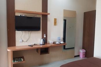 OYO 2671 Wisma Djaja Syariah Bojonegoro - Suite Family Regular Plan