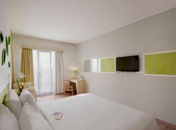 Max One Hotel Bandung - Happiness Double  Room Only  Regular Plan