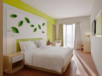 Max One Hotel Bandung - Warmth Double Room Only #WIDIH