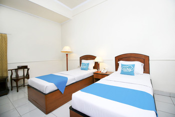 Airy Pekauman Jendral Sudirman 30 Tegal - Standard Twin Room Only Special Promo July 45