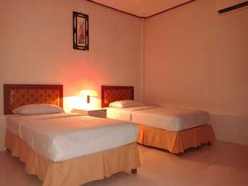 Cadaka Hotel & Meeting Centre Kebumen - Deluxe Twin Regular Plan