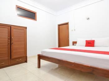 RedDoorz Plus near Alun Alun Selatan Yogyakarta - RedDoorz Room Regular Plan