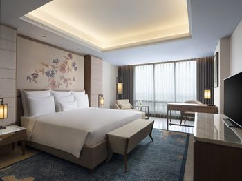 Hotel Tentrem Semarang Semarang - Deluxe King Regular Plan