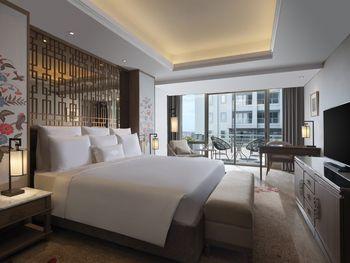Hotel Tentrem Semarang Semarang - Premiere King Regular Plan