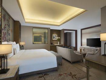 Hotel Tentrem Semarang Semarang - Junior Suite Regular Plan