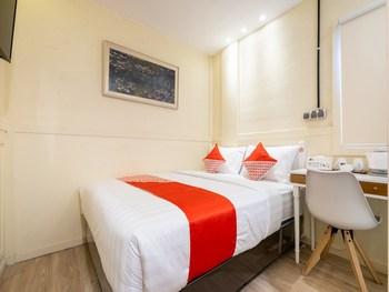 OYO 2457 Grha Ivana Yogyakarta - Deluxe Double Room Regular Plan