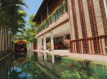 LuoLan Manis Villa