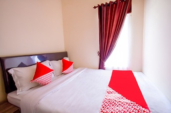 OYO 2771 D'soetta Malang - Saver Double Room with Outdoor Bathroom Regular Plan