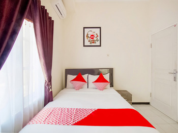 OYO 2771 D'soetta Malang - Standard Double Room Regular Plan