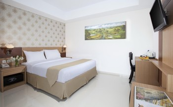 The Cube Hotel Jogja - Deluxe Room Only NR bASIC dEAL 25%