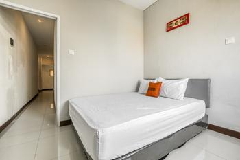 KoolKost @ Bypass Nusa Dua Bali - RedDoorz Deluxe Room Best Deal