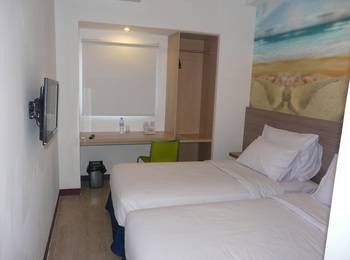 Top Hotel Manado - Comfort Room Only Regular Plan