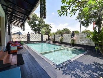 RedDoorz Plus near Mall Bali Galeria 2 Bali - RedDoorz SALE Regular Plan