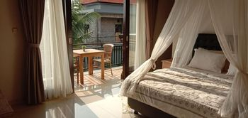 Umah Bella Batubulan Bali - Bella 2 with Balcony Regular Plan