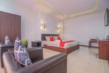 RedDoorz Syariah near Taman Berlabuh Tarakan Tarakan - RedDoorz Suite Room Basic Deal