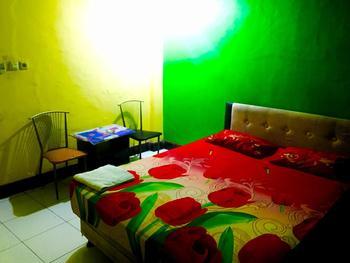 Homestay Kelara Makassar - Standard Double Room Only FC-2D Regular Plan