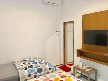 Pi Home Nayottama Yogyakarta Yogyakarta - Deluxe Twin Room Only Regular Plan