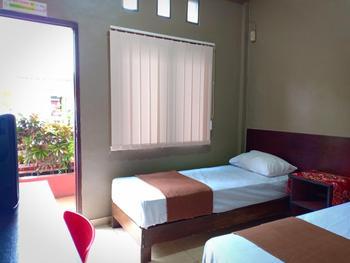 Seven Wells Kost Manado - Standard Double Room Only Regular Plan