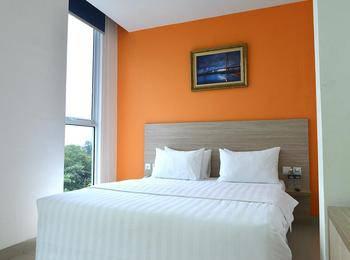 Hotel Fresh One Batam - Deluxe Queen Room Regular Plan