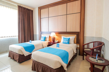 Airy Sentul Raya Jakarta KM 49.5 Bogor - Executive Twin Room with Breakfast Regular Plan