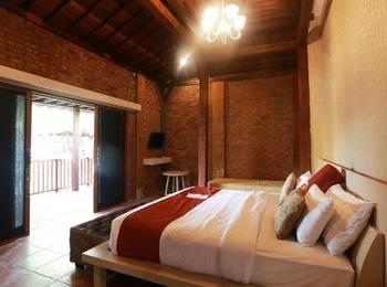 Pandawa Beach Villas & Resort Lombok - Joglo Suite Room Last Minute Promo!